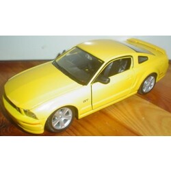 Maisto - Ford Mustang GT Modell 2006