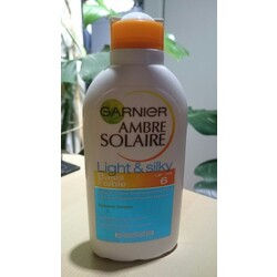 GARNIER Ambre Solaire - Light & Silky (basis faible - LSF 6)