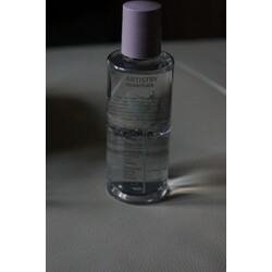 Amway Artistry Essentials eye and lip makeup remover