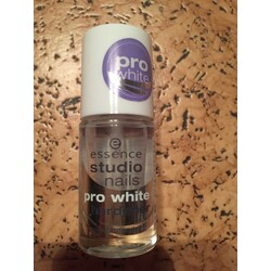 Essence Studio Nails Pro White Nail Hardener Nagelhärter 8.0 ml