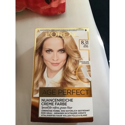 L'Oréal Excellence Age Perfect 8.31 Goldblond, 1 St