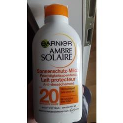 Garnier Ambre Solaire Sonnenschutz Sonnenmilch Sonnenschutzfaktor 20 (200 ml)